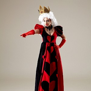 queen of hearts stilt walker hire uk