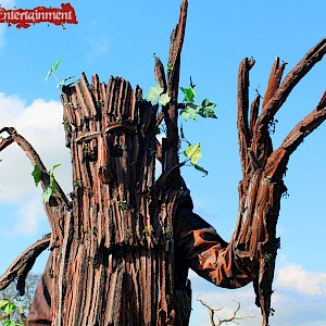 tree stilt walker hire uk