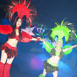 carnival stilt walkers hire uk