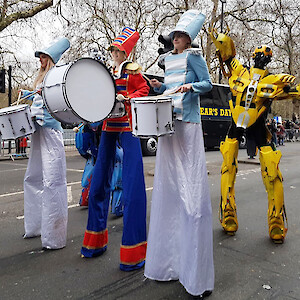 marching band stilt walkers hire